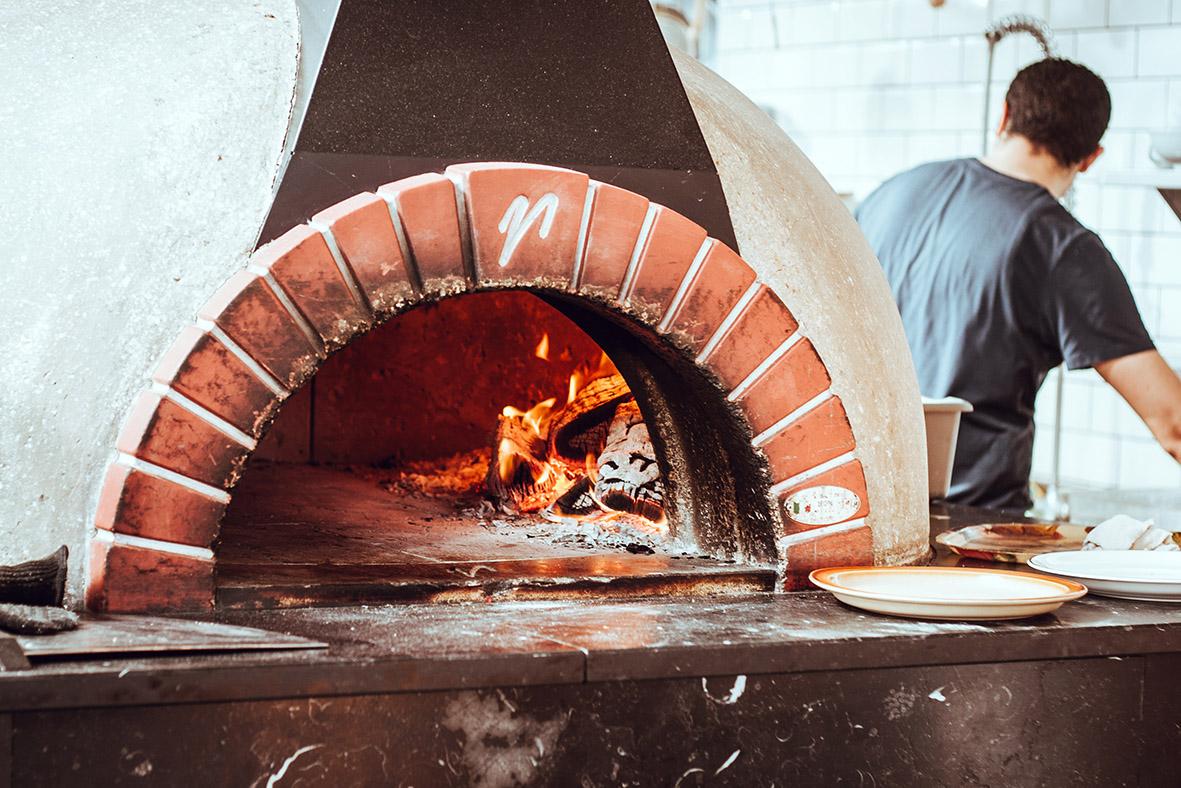Wie Du eine richtig gute Pizza backst | chestnutandsage.de
